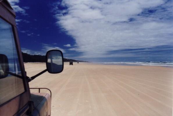 Foto: IMP1 under CC licence Sand soweit das Auge reicht: Fraser Island ist die größte Sandinsel der Welt.